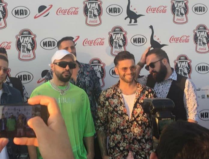 Mad Video Music Awards 2019: Χαμογελαστός στο κόκκινο χαλί ο Θοδωρής Μαραντίνης!