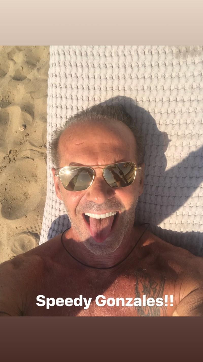 Πέτρος Κωστόπουλος: Τα έπινε τη στιγμή που η Τζένη Μπαλατσινού παντρευόταν τον Βασίλη Κικίλια!