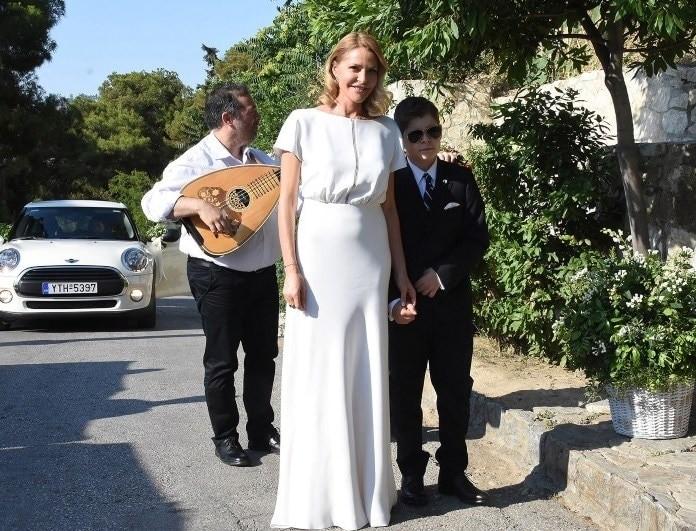 Γάμος Μπαλατσινού - Κικίλια: Η εμφάνιση της νύφης στην εκκλησία!