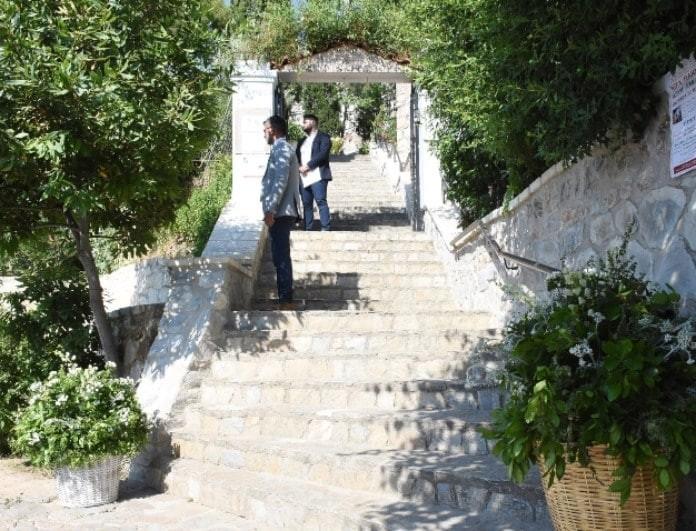 Γάμος Μπαλατσινού - Κικίλια: Η φωτογραφία του ζευγαριού μέσα από την εκκλησία!
