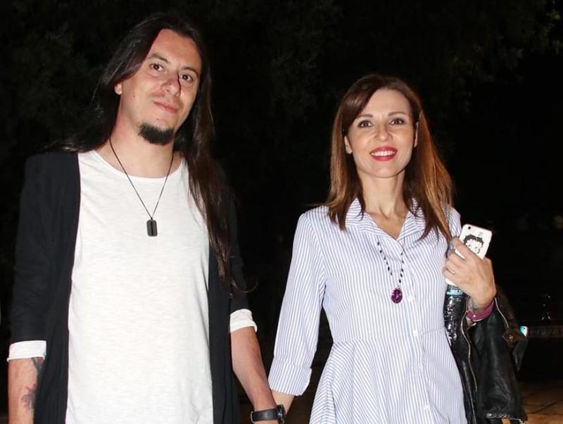 Πασίγνωστο ζευγάρι της ελληνικής showbiz παντρεύεται! Ξεκίνησαν οι προετοιμασίες του γάμου!