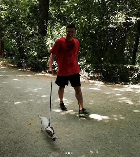 Βασίλης Κικίλιας: Βόλτα με τρυφερή συντροφιά πριν τον γάμο του με την Τζένη Μπαλατσινού!