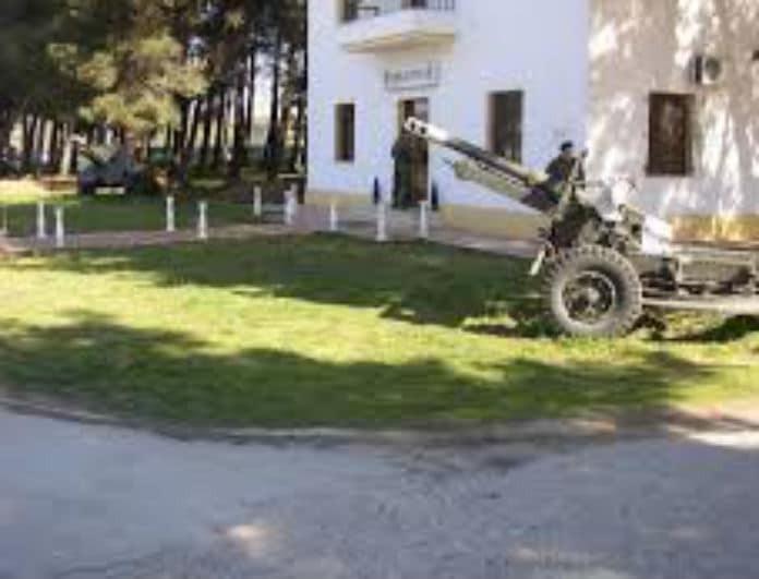 Ατύχημα στον Λαγκαδά! Στρατιωτικό όχημα έπεσε σε τοίχο!