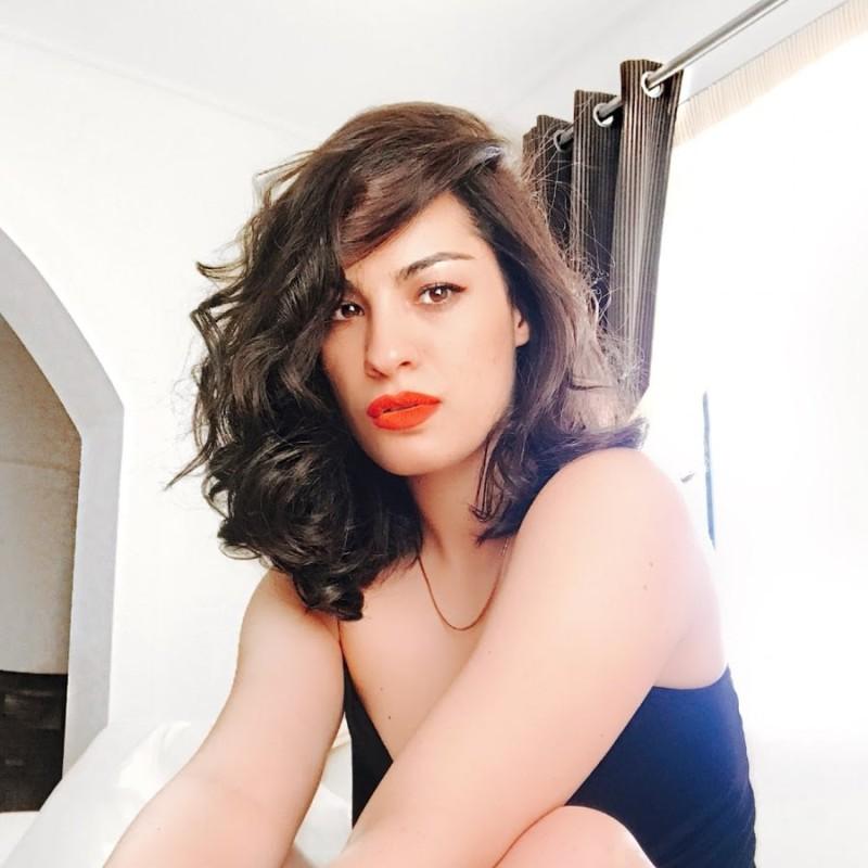 Γνωστή Ελληνίδα ηθοποιός σταμάτησε την ηθοποιία και ζει στην Μύκονο τον έρωτά της!