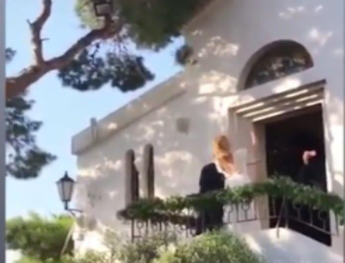 Γάμος Μπαλατσινού - Κικίλια: Η στιγμή που η Τζένη πετάει την ανθοδέσμη! (Βίντεο)