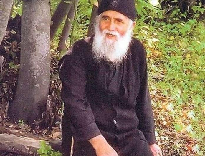 Γέροντας Παΐσιος: Απίστευτη προφητεία! «Αυτός είναι ο ηγέτης που θα λυτρώσει την Ελλάδα»