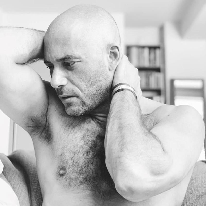 Αντίνοος Αλμπάνης: Χτυπήθηκε από τον καρκίνο! Η πρώτη φωτογραφία από τις χημειοθεραπείες!