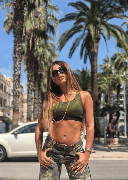 Πασίγνωστη Ελληνίδα τραγουδίστρια παραδέχεται ότι έχει σχέση με τον...