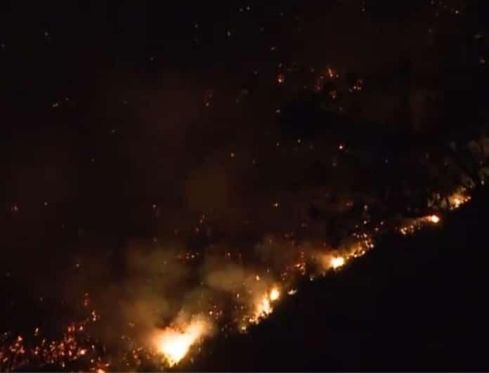 Μαίνεται η φωτιά στην Εύβοια: Μυρίζει καμένο σε όλη την Αθήνα!