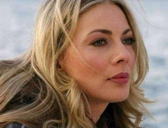 Σμαράγδα Καρύδη: Το καλλίγραμμο κορμί της στην παραλία!