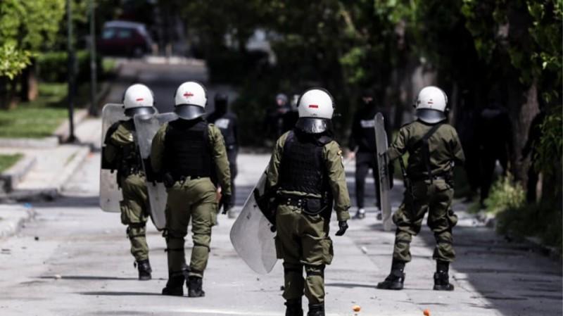 Πανικός στην Ακρόπολη: Δύο αστυνομικοί τραυματίες!