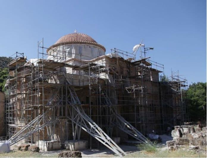 Σεισμός στην Αθήνα: Κατέρρευσε η Μονή Δαφνίου!