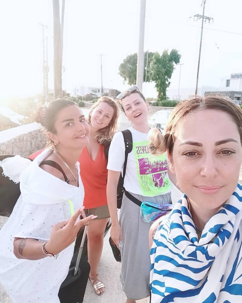 Μελίνα Ασλανίδου: Με νέα παρέα στη Μύκονο μετά τον χωρισμό!