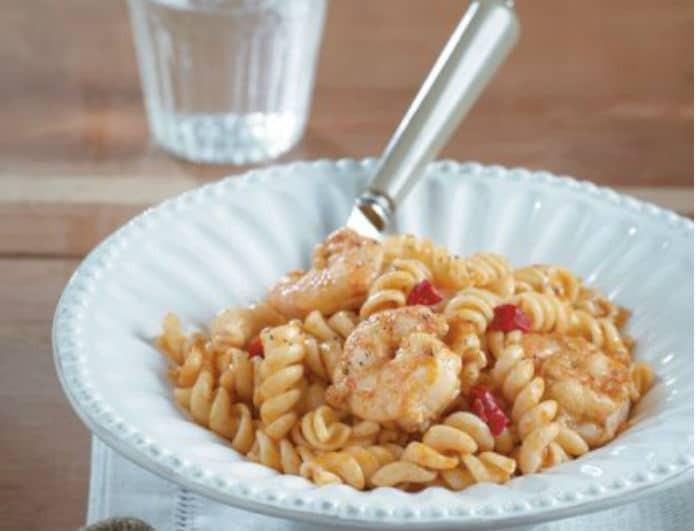 Συνταγή της ημέρας: Σκορδομακαρονάδα με γαρίδες και γλυκιά πάπρικα!