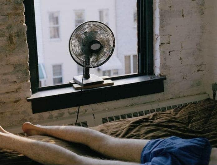 Πόσο επικίνδυνο είναι να κοιμόμαστε με ανοιχτό τον ανεμιστήρα;