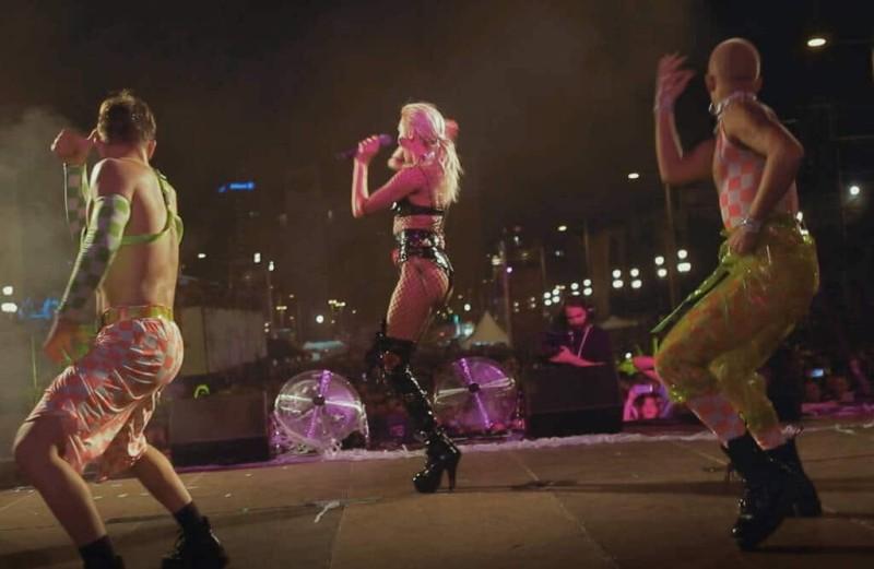 Τάμτα: Άναψε «φωτιές» on stage! Η παρουσία της αναστάτωσε!