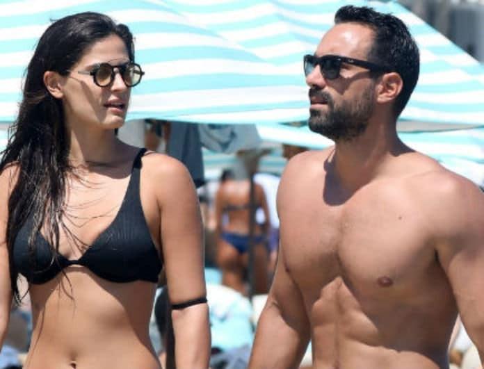 Σάκης Τανιμανίδης - Χριστίνα Μπόμπα: Χεράκι χεράκι και ερωτευμένοι περπατούσαν στην αμμουδιά!