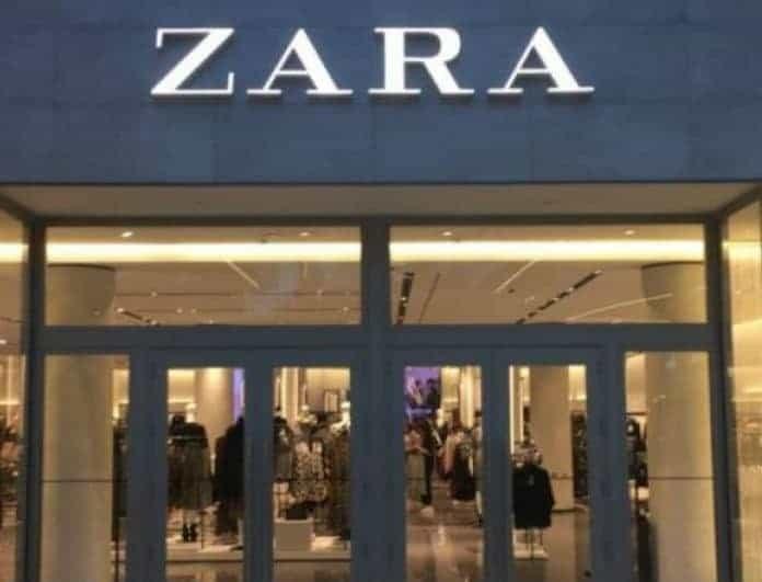 Zara: H γυαλιστερή μπλούζα από τη νέα συλλογή είναι η πιο τέλεια και θα σε κάνει να ξεχωρίζεις στην έξοδο σου!