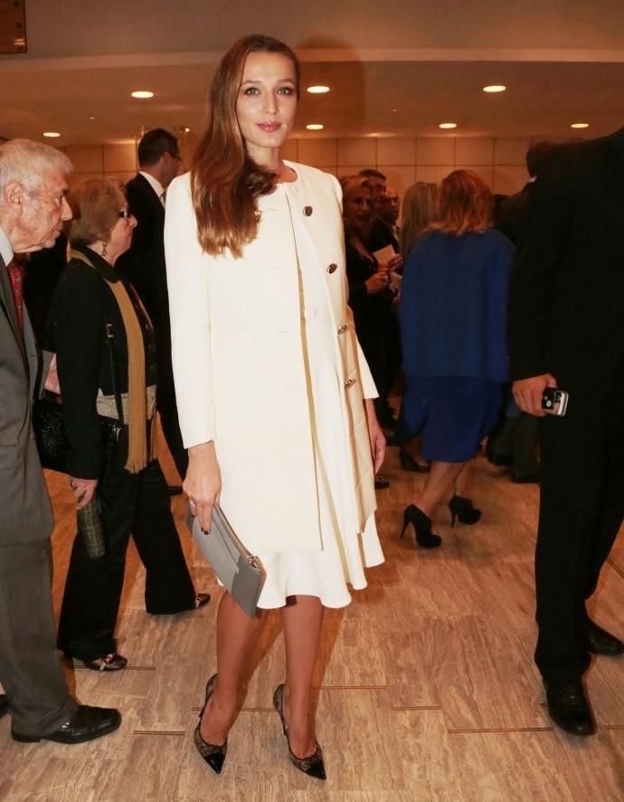 Κάτια Ζυγούλη: Μπήκε με τον Σάκη σε εκδήλωση και το φόρεμά της «άστραφτε»! Έτσι θα το φορέσεις τον χειμώνα....