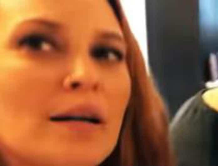 Σίσσυ Χρηστίδου: Με «πονηρό» βλέμμα και πιάτα φαγητού μπροστά της! Έκανε χαμό...