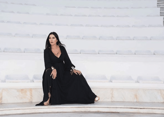 Πασίγνωστη Ελληνίδα τραγουδίστρια αποκαλύπτει: «Έχω 3 χρόνια να κάνω σ3ξ»!