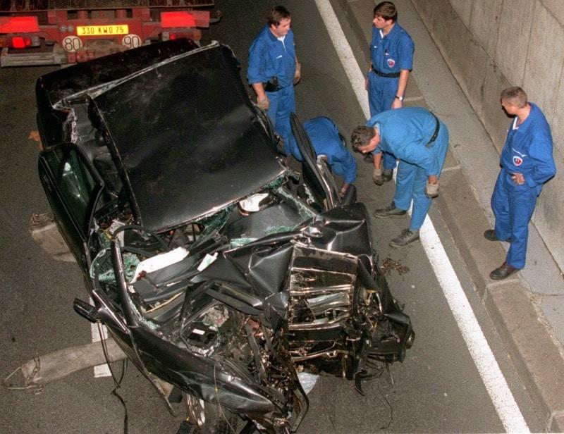 Πριγκίπισσα Νταϊάνα: Η ανατριχιαστική εικόνα πριν το τροχαίο! Έσκυψε το κεφάλι της την ώρα που ο οδηγός...