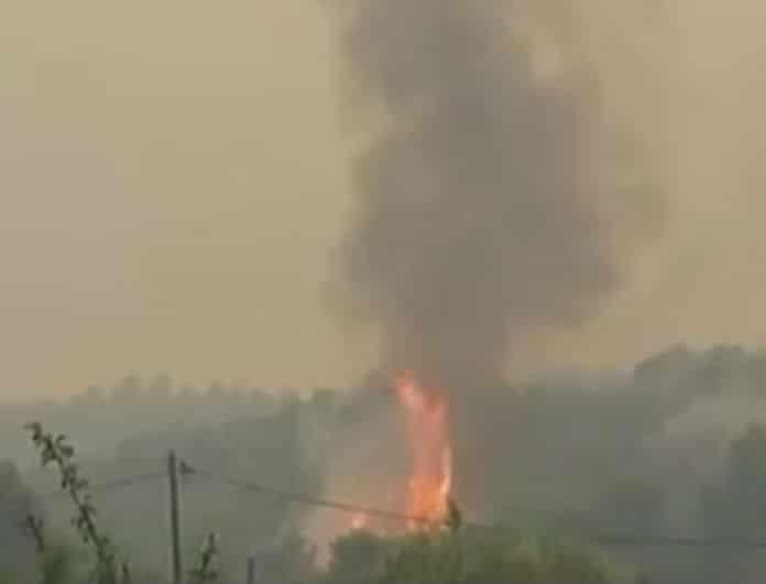 Φωτιά και στην Νέα Μανωλάδα: Κλειστή η Πατρών - Πύργου!