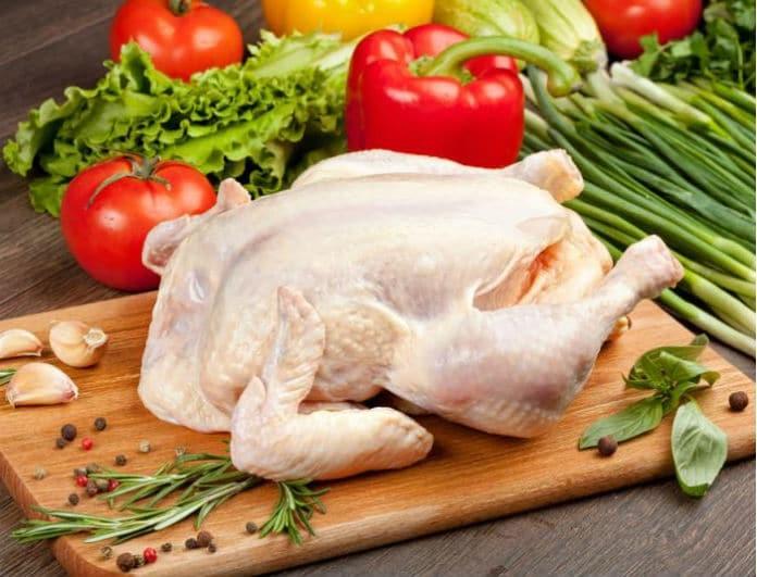 Μεγάλη προσοχή! Αυτό το λάθος στο ξεπάγωμα του κοτόπουλου προκαλεί θάνατο!
