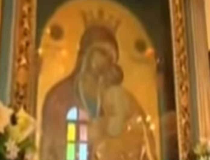 Σοκ και δέος με το θαύμα με τα κρίνα της Παναγίας στην Πάστρα της Κεφαλονιάς!