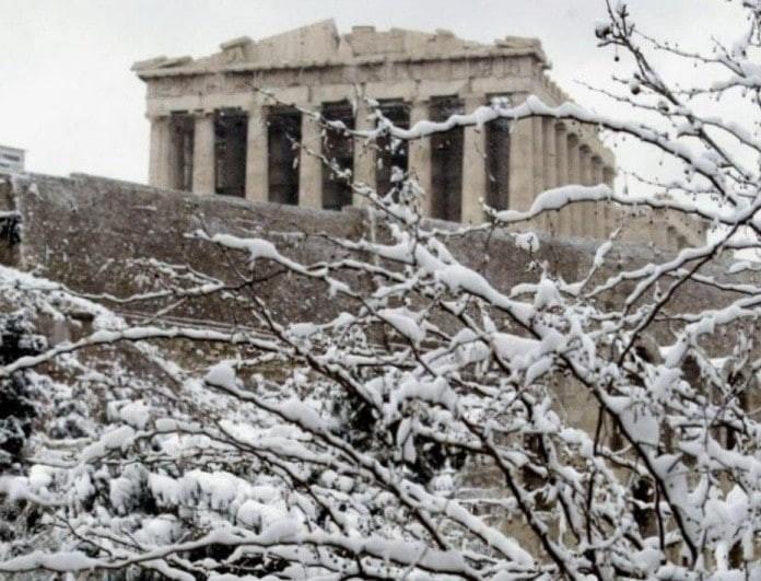 Μερομήνια 2019-2020: Χειμώνας γεμάτος χιόνια! Θα το στρώσει στην Αθήνα;