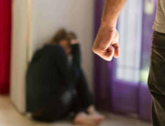 Οικογενειακή τραγωδία: Σκότωσε σύζυγο, κουνιάδα και πεθερά μπροστά στα παιδιά του!