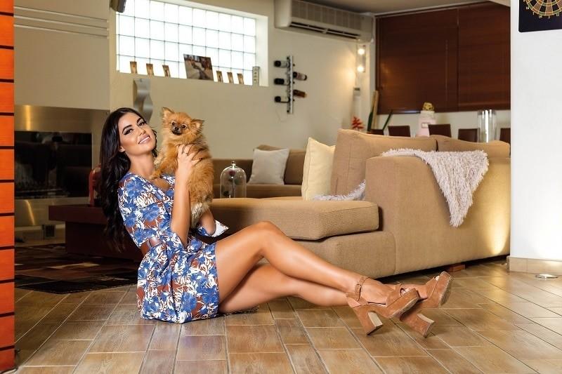 Ιωάννα Μπέλλα: Έχει σαλόνι - γήπεδο! Αυτή είναι η σπιταρόνα της! Δείτε την για πρώτη φορά...