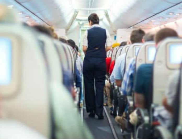 Προσοχή! Μην βγάλεις ποτέ τα παπούτσια σου μέσα στο αεροπλάνο γιατί...