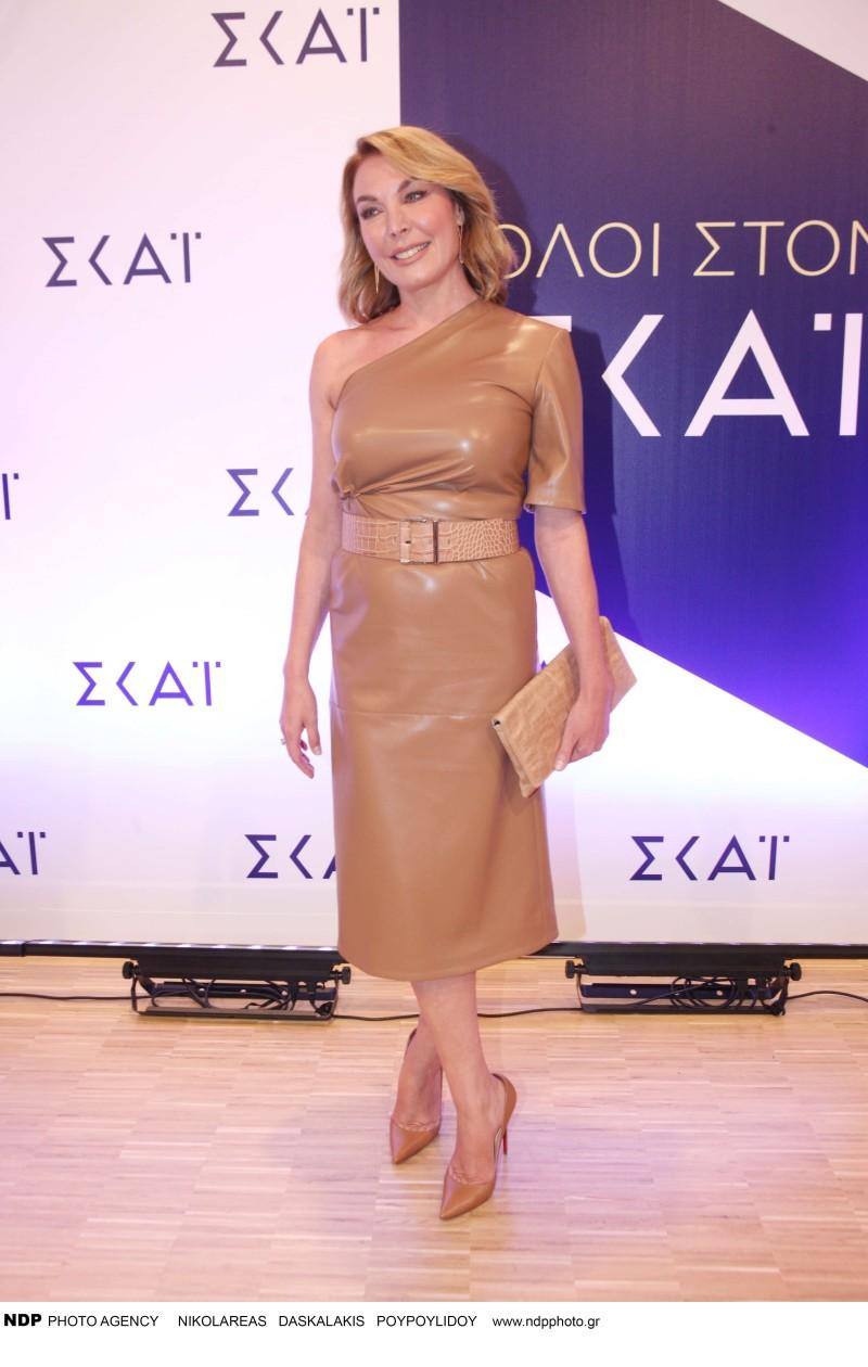 Τατιάνα Στεφανίδου: Μπήκε σε αίθουσα και κοίταγαν όλοι το φόρεμά της! Ήταν όλο από...