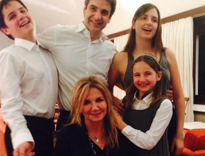 Κυριάκος Μητσοτάκης: Είναι ο πιο cool μπαμπάς! Πώς ευχήθηκε στην κόρη του για την γιορτή της;