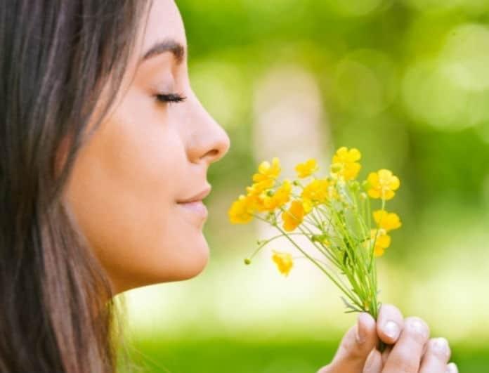 Θέλεις το δέρμα σου να μυρίζει υπέροχα; Φάε αυτές τις τροφές και θα μοσχοβολάς!