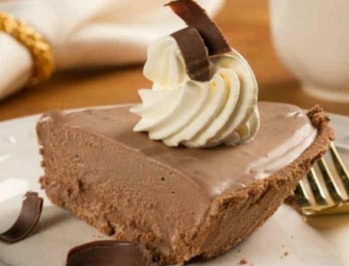 Ελαφρύ σοκολατογλυκό με ζαχαρούχο γάλα!