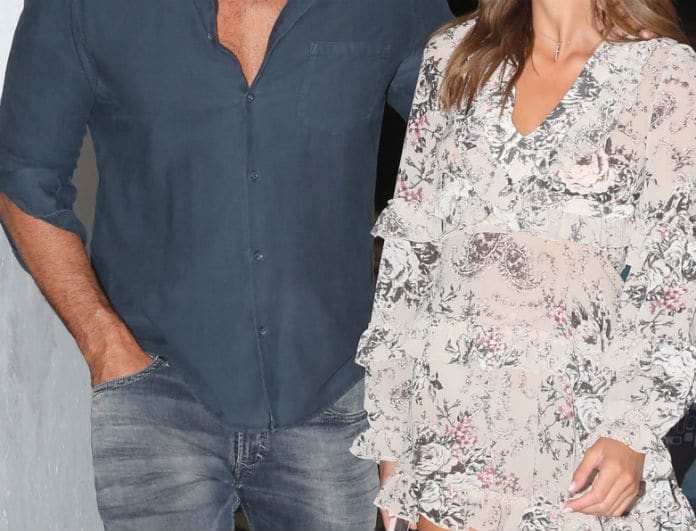 Χαμός στην Μύκονο με ζευγάρι της Ελληνικής showbiz! Την κρατούσε αγκαλιά και έλιωνε...
