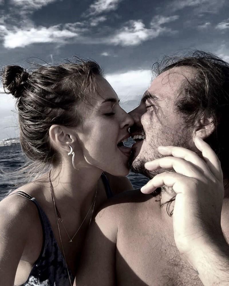 GNTM: Αυτός είναι ο σύντροφος της Κάτιας! Τα «καυτά» φιλιά στο στόμα και οι αποκαλυπτικές φωτογραφίες!
