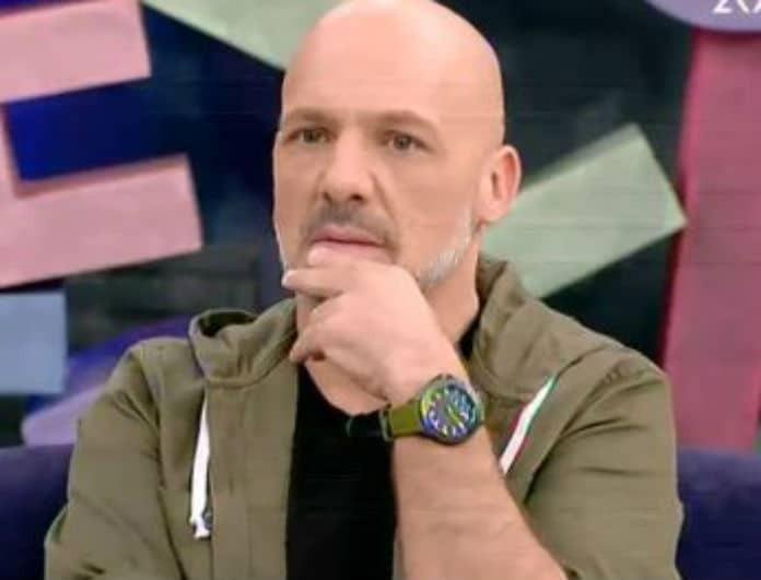 Νίκος Μουτσινάς: «Κάγκελο» ο παρουσιαστής! Το δώρο της Κοκκίνου που δεν περίμενε! (Βίντεο)