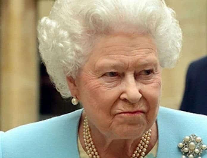 Σάλος στο παλάτι! Η «εμμονή» με την βασίλισσα Ελισάβετ και η αδιανόητη κλοπή!