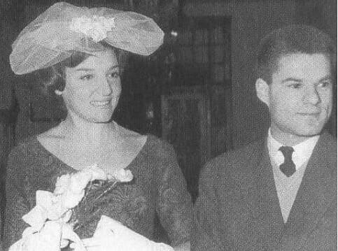 Αλίκη Βουγιουκλάκη: Είχε μπει ανάμεσα σε γνωστό παντρεμένο ζευγάρι! Αυτό είναι το πρόσωπο του άντρα!