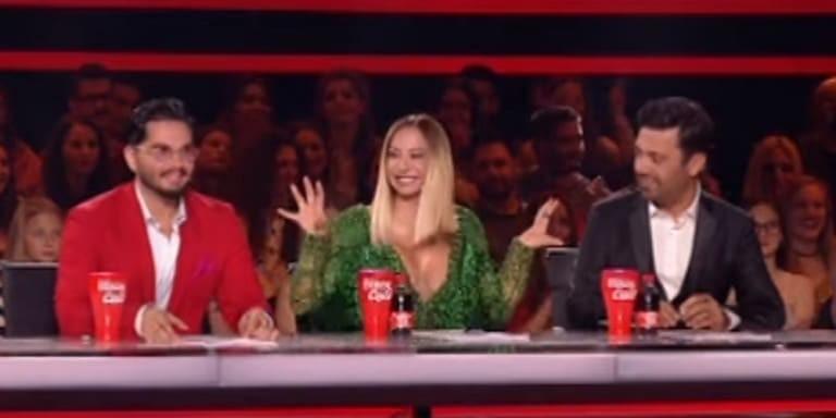 X-Factor: Η Μελίνα Ασλανίδου μας «πέταξε» τα μάτια έξω με το αβυσσαλέο ντεκολτέ της!