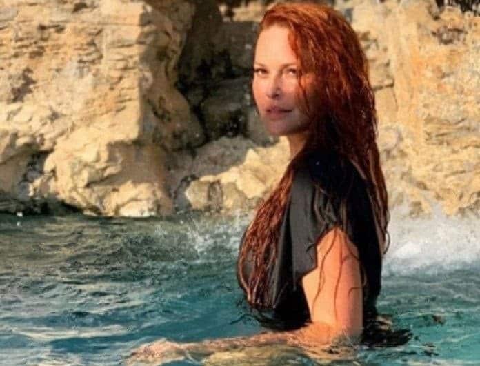 Σίσσυ Χρηστίδου: Μπήκε σε πισίνα με μαγιό, χωρίς ίχνος φίλτρου! Το αρετουσάριστο κορμί της!