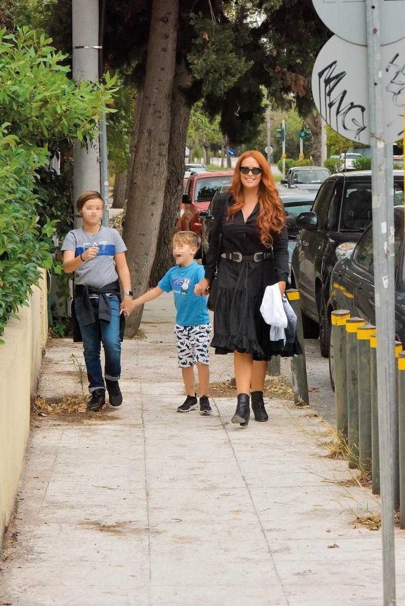 Σίσσυ Χρηστίδου: Πιο αδυνατισμένη από ποτέ μετά τον χωρισμό από τον Θοδωρή Μαραντίνη! Βόλτα με τα παιδιά της...