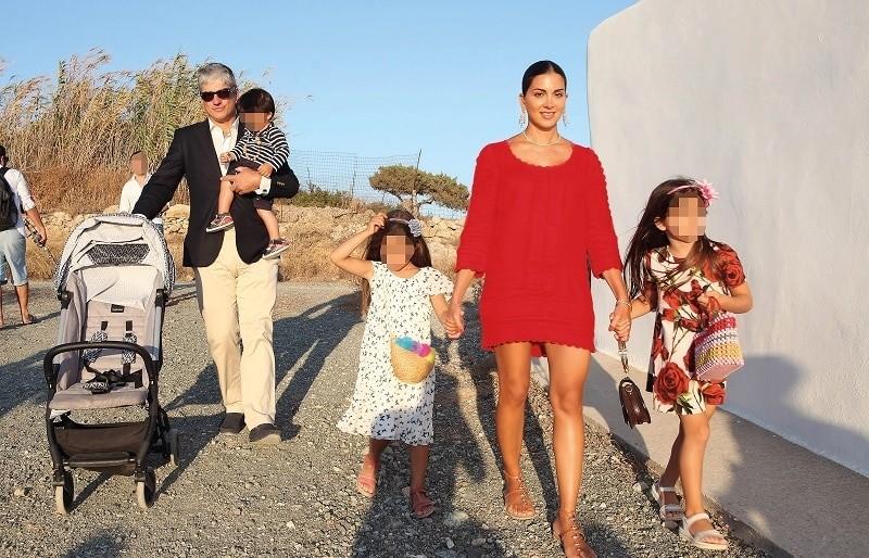 Σταματίνα Τσιμτσιλή: Μυστική βάπτιση για τον γιο της με φόρεμα στο χρώμα της φωτιάς! Φωτογραφίες - ντοκουμέντο!