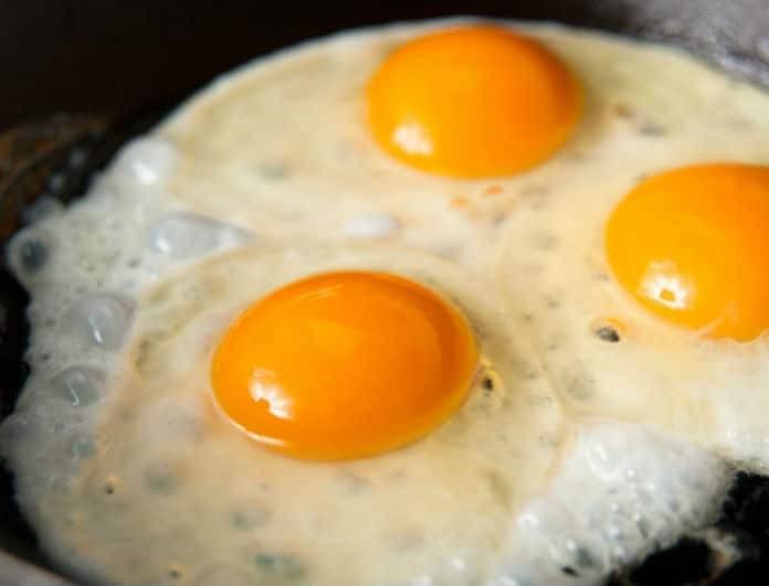 Αυγά... μάτια! Τα 4 μυστικά για να τηγανιστούν τέλεια!