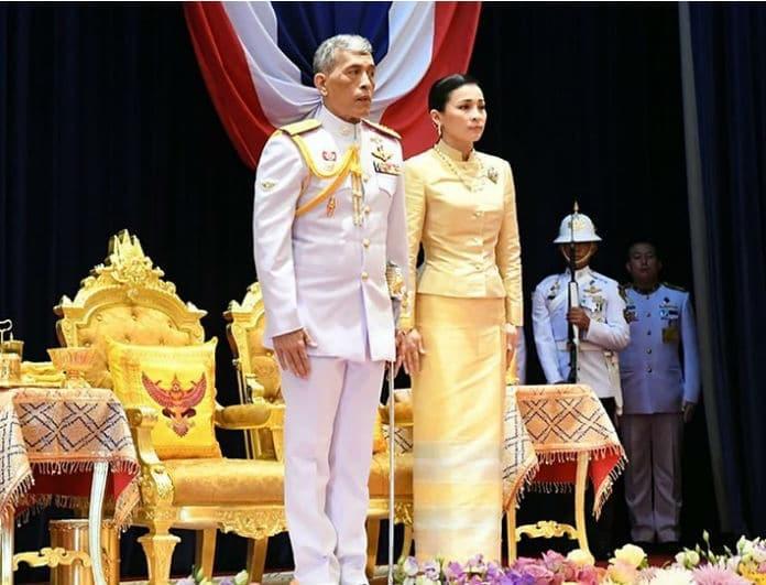 «Βόμβα» στο παλάτι! Ο βασιλιάς αποκαθήλωσε την σύντροφό του!