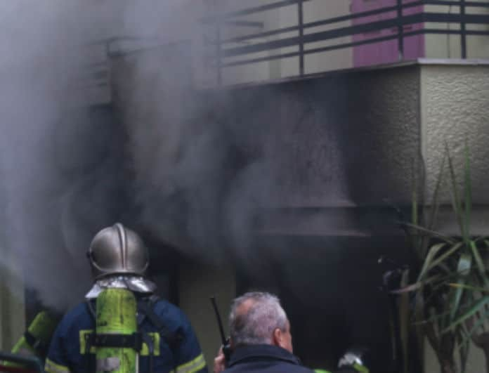 Εικόνες σοκ από την φωτιά στην Κυψέλη! Πληροφορίες για τραυματίες!