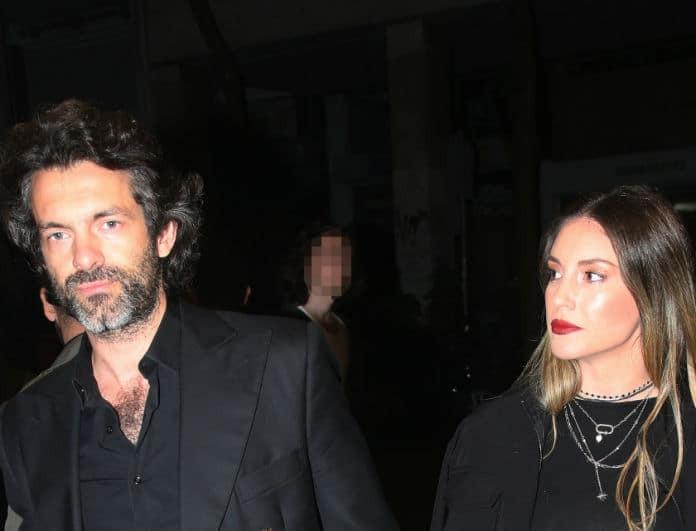 Αθηνά Οικονομάκου: Έβαλε κοντό τοπ και ο Μιχόπουλος «τρελάθηκε»! Δεν άφηνε το χέρι της...